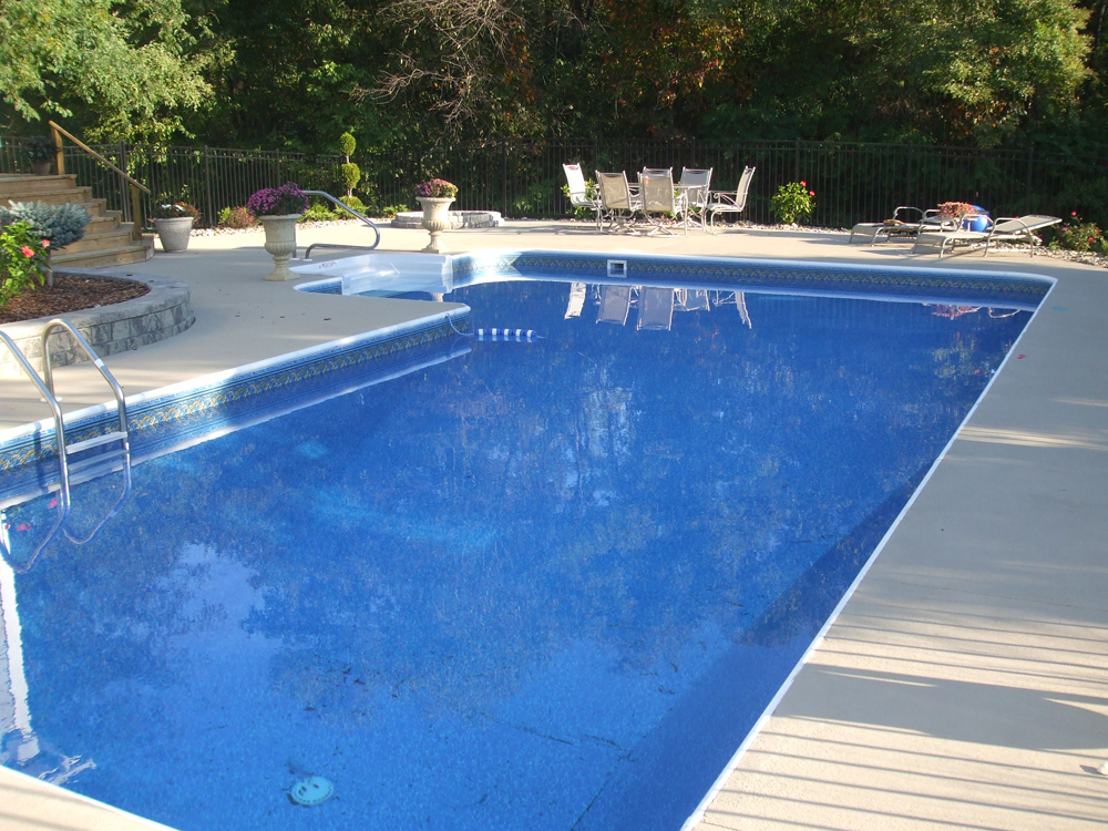 L shaped pool vinyl liner pool steel wall pool pool for Pool liner installation